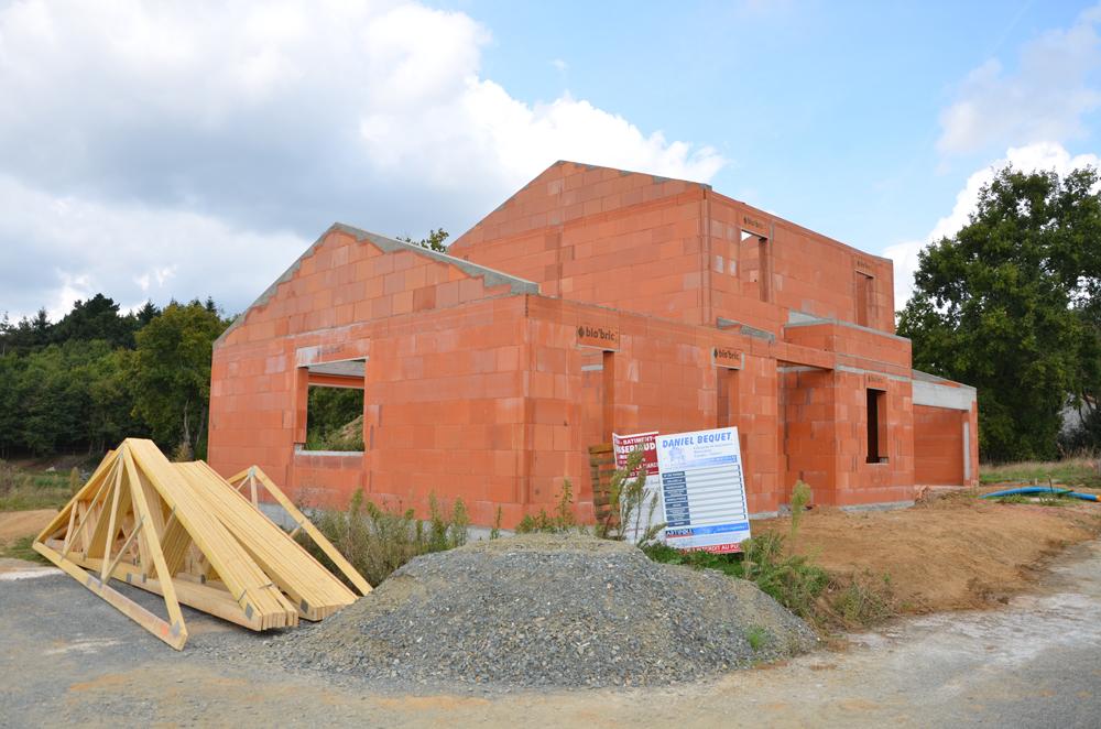 construction maison brique rouge ventana blog. Black Bedroom Furniture Sets. Home Design Ideas
